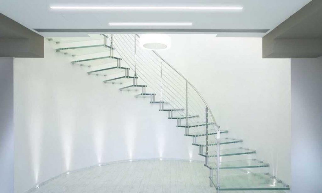 Варианты применения ступеней для лестниц