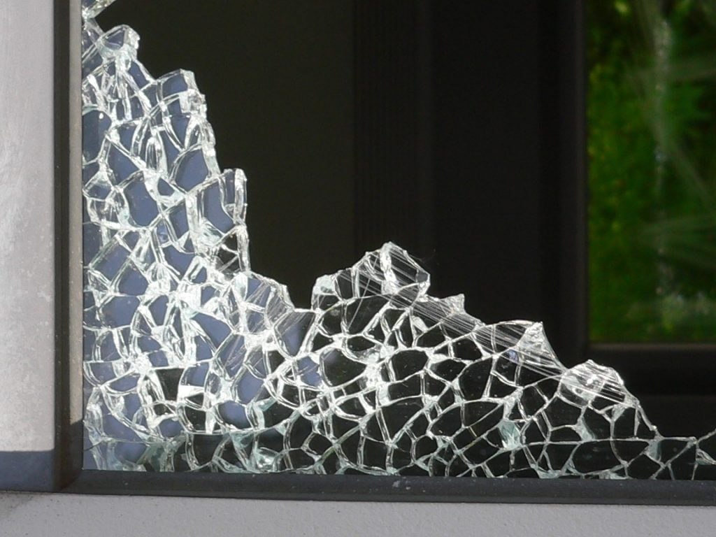 Как производят закаленное стекло?